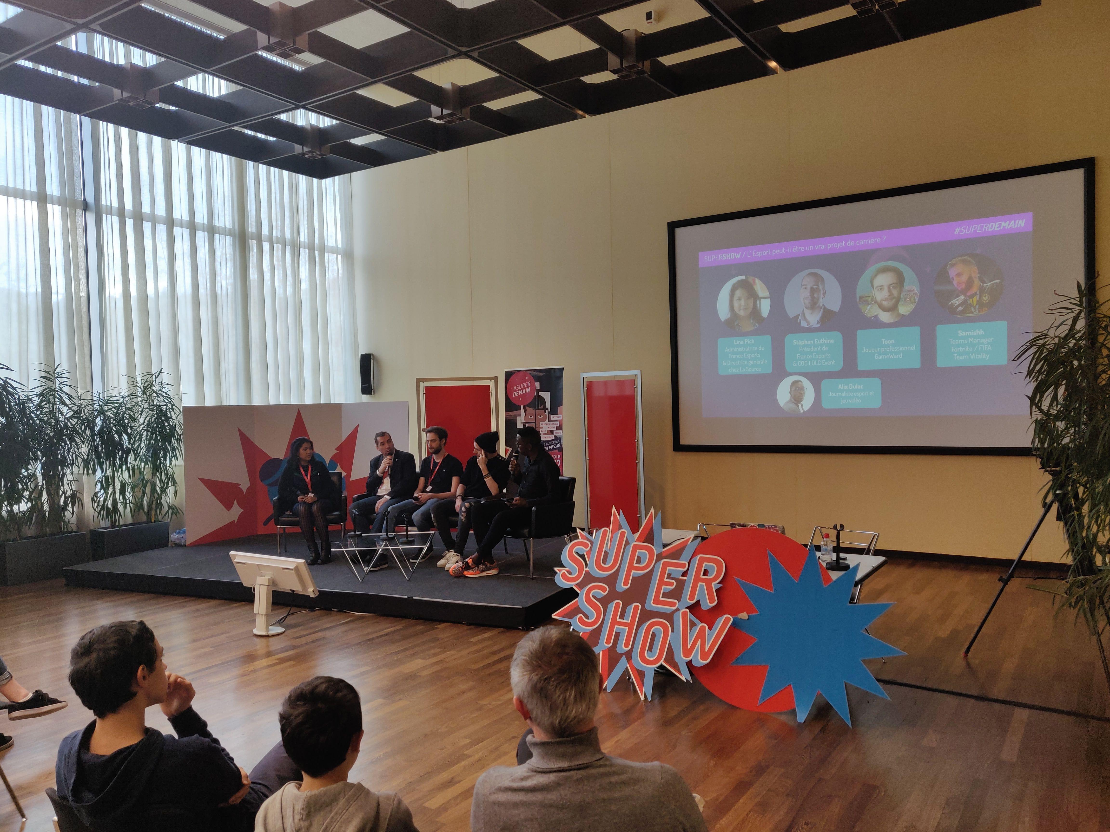 Photo : table ronde L'esport peut-il être un projet de carrière ? à Superdemain 2019